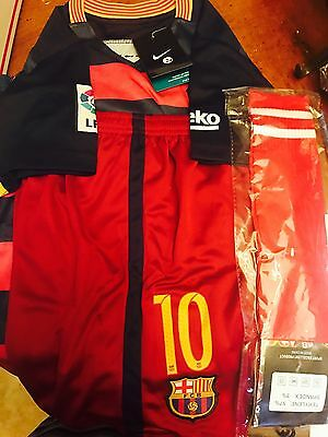 New Messi #10 FC Barcelona Home Jersey & Shorts Kids Age 10/11 Socks Included