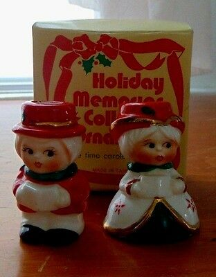 Adorable NIB Holiday Memories Collector  Olde Time Caroler Candle Holders