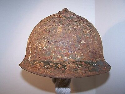 World War 1 Italian M15/16 helmet shell. Extra-large. Early riveted comb.