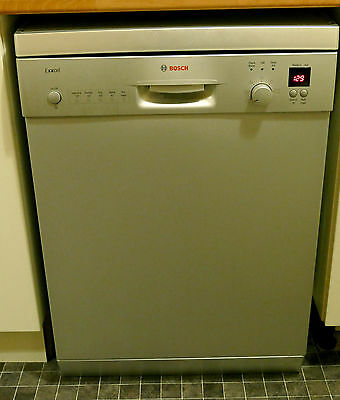Bosch Exxcel dishwasher. Full size very good condition