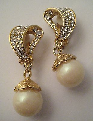 Large Vintage 1980s Goldtone & Faux pearl DECO Glamour Style CLIP ON Earrings XM