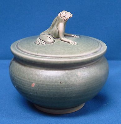 Celadon Green Ceramic/Pottery Round Box w/Frog Finial on Top/Lid Bali