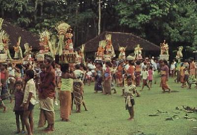 Indonesien, Bali, Offering Carriers Parading