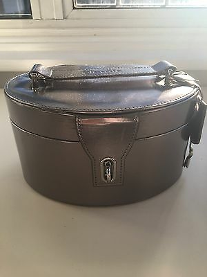 Elemis Silver Vanity Case With Key And Padlock