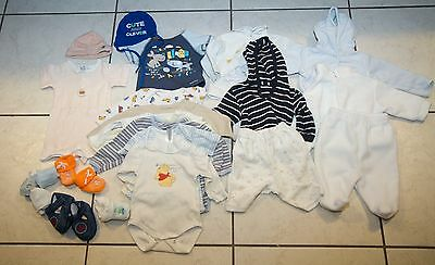 Lot de vetements pour bebe entre 0-2 mois - 22 pieces