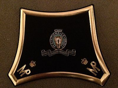 Wall Plaque / Presentation Patch &  Badge RCMP Royal Canadian Mounted Police