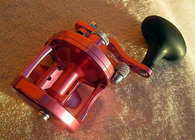 Avet Sx 5.3 Lever Drag Casting Reel In Pink. With Box. Excellent Condition.