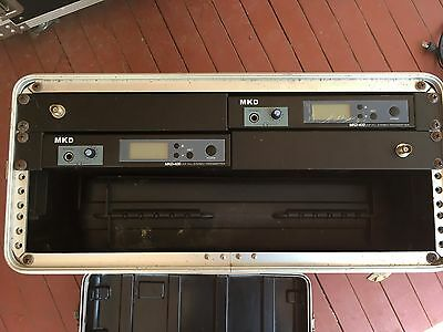 UHF In Ear Monitoring System in road case
