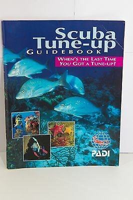 PADI (Official) Scuba Tune-Up Guide Book - Revision for Underwater/Diving
