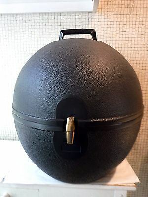 VINTAGE EGG SHAPED Molded Plastic Portable HAT + Wig Tote -Keeps Millinery CLEAN