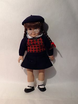 """American Girl Molly 18"""" Doll With Trunk And Accessories"""