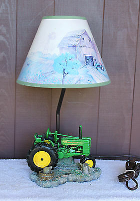 JOHN DEERE Tractor Resin Electric Lamp and Shade from 1999