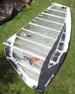 Maui Sails TR7 7.6 m2 4 camber Race sail  - White and Black