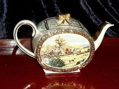 Collectable Antique Barrel Shape   Teapot Sandler's C 1950's