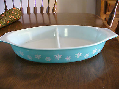 Vintage Turquoise Pyrex Snowflake Divided Casserole 1-1/2 Quart Dish Only