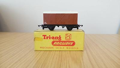 B233: Triang ' TT '  Gauge T79 Fruit Van (VGC & Boxed)