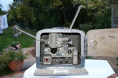 Vintage Bell and Howell Model 622 16mm Cine Film Projector with Amplifier