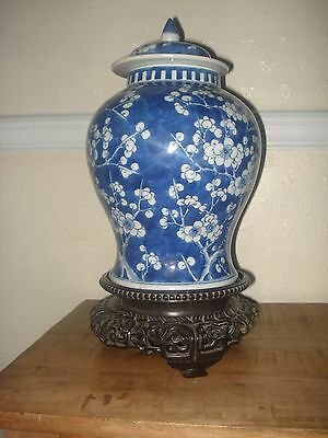 stunning chinese 19th century period large blue white vase without wood stand