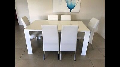 White Tupac Dining Table And Chairs