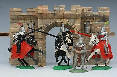 TIMPO SOLID PLASTIC 54mm MOUNTED MEDIEVAL KNIGHTS & BATTLEAXE on foot