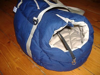 Dog travel carrier basket bag with handle and zip up