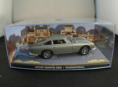 Fabbri James Bond Aston Martin DB5Thunderball neuf en boîte1/43