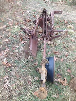 Allis-chalmers Snap Hitch 2 bottom turning plow , Field Plow