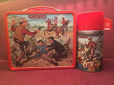 1962 Vintage Gunsmoke Lunchbox Thermos in Fine Condition & issued by Aladdin !!