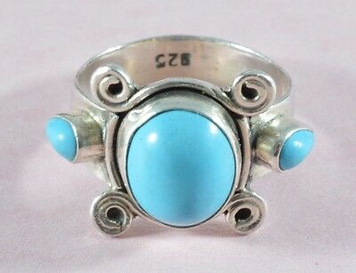 Unusual Vintage sterling silver and turquoise stones ring - size O