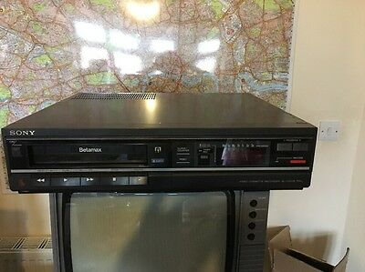 Sony Betamax SL-F25 Recorder With Remote