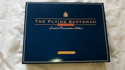 """Hornby Railway R089 Mk.2A Limited Coaches For """"flying Scotsman"""""""