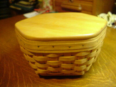 "LONGABERGER 1998 Six Sided 9"" Basket with Divided Protector and Wooden Lid"
