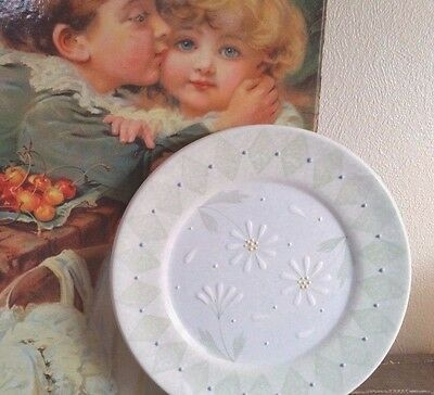 "4 Block Basics SALAD LUNCH PLATES- 1999 NEVER Used ""Loves Me"" by Deb Mores DAISY"