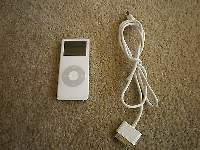 Apple iPod nano 1st Generation White (2 GB)