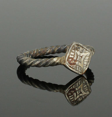 Beautiful Ancient Medieval Silver Ring - Circa 15Th Century Ad