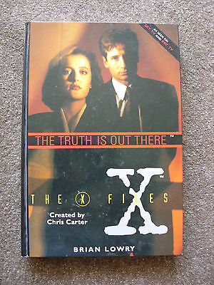 'The X Files - The Truth is Out There' by Brian Lowry - HARDBACK Large Format