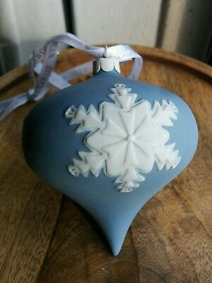 Wedgwood snowflake ornament BX53