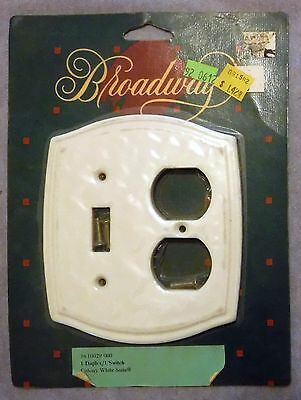 Vintage NOS Broadway 2 Gang 1 Duplex 1 Switch Porcelain Cover Plate Colony White