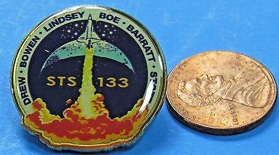 UNITED SPACE ALLIANCE Official NASA PIN vintage STS-133 DISCOVERY Lindsey Boe
