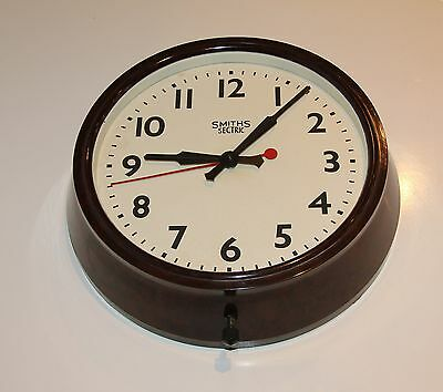 SMITHS SECTRIC VINTAGE BAKELITE ELECTRIC WALL CLOCK. Runs well