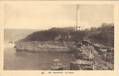 64 - cpa - BIARRITZ - Le phare