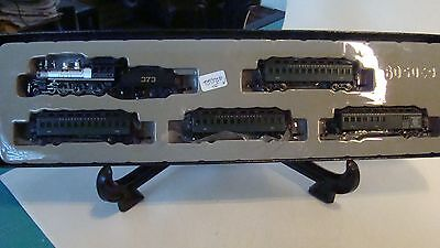 Marklin Z Mini Club 81438 Illinois Central 4-6-0 IC 373 & 4-Passenger Car Set