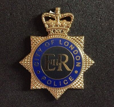 large POLICE WALLPLAQUE PIN / BROOCH BADGE LONDON CITY  37x30mm