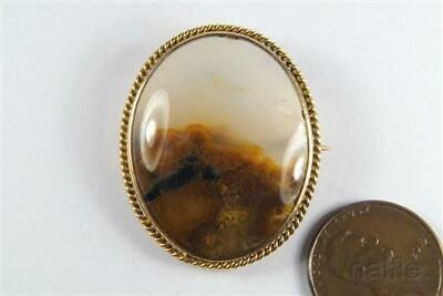 ANTIQUE ENGLISH LATE VICTORIAN 9K GOLD LANDSCAPE FIGURED AGATE BROOCH c1880