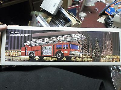 1986 HESS Toy Fire Truck Bank New in Original Box