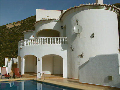 Stunning Holiday Villa With Views to Match, Private Pool, Jalon, Spain