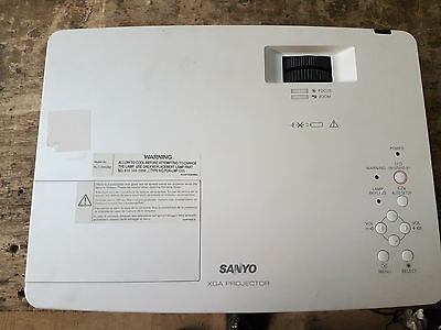 [Used] Home - Sanyo Plc-Xw250 Lcd Projector  3000 Hours Used *tested*