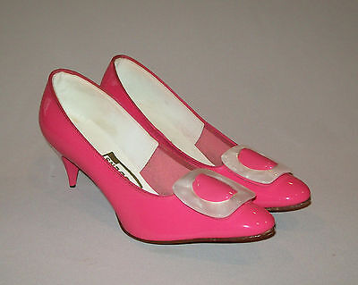 Beautiful vtg 1960's Pink Patent Leather womans size 8.5 spike high heel shoes