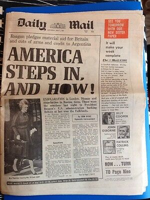 NEWSPAPER - DAILY MAIL - THE FALKLANDS WAR - May 1st 1982