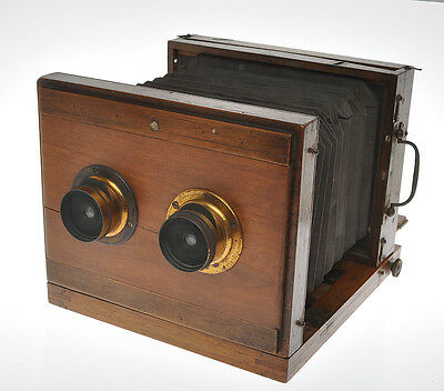 Beautiful and rare wooden stereo camera ca1870/1880 w.two Steinheil Aplanat lens